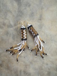 Items similar to Beaded Earrings - Seed Beads - Peyote Stitch on Etsy Seed Bead Earrings, Beaded Earrings, Beaded Jewelry, Beaded Bracelets, Seed Beads, Stitch Crochet, Peyote Stitch, Crochet Rope, Scrappy Quilts