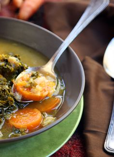 Farmers Market Winter Soup: a blend of sweet flavors. - The Nourished Caveman Primal Recipes, Real Food Recipes, Healthy Recipes, Crockpot Recipes, Soup Recipes, Free Recipes, Vegetable Puree Soup, Real Food Cafe