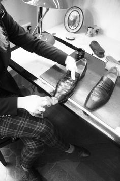 JMWeston-Shoe-care-service