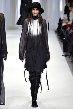 Sfilata Ann Demeulemeester Paris - Collezioni Autunno Inverno 2013-14 - Vogue