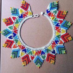 Okama nepono - See this BestofInsta photo by Beaded Collar, Beaded Lace, Beaded Jewelry, Crochet Necklace, Beaded Necklace, Necklaces, Peyote Stitch, Handmade Beads, Beading Tutorials