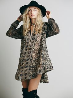 Free People Crosstown Patterns Tunic at Free People Clothing Boutique boho chic fashion style Gypsy Style, Hippie Style, Style Me, Diy Outfits, Passion For Fashion, Love Fashion, Autumn Fashion, Boho Chic, Estilo Boho