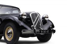 Citroen France, Citroen Ds, Citroen Traction, Cars And Motorcycles, Peugeot, Antique Cars, Twitter, Beautiful, Design