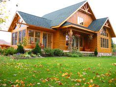 5 Amazing Log Home Decorating Ideas Log Cabin Living, Log Cabin Homes, Rustic Houses Exterior, Log Home Floor Plans, Log Home Designs, Lakeside Living, Log Home Decorating, Bungalow House Plans, Beach Cottage Style