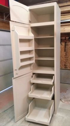 Pantry for a tiny kitchen in a tiny house. I love the pull out shelving and cabinets. Great space saving and multi-functional solution for small spaces. Cocina Diy, Diy Rangement, Diy Casa, Tiny House Living, Living Room, Small Living, Living Spaces, Kitchen Redo, Kitchen Small