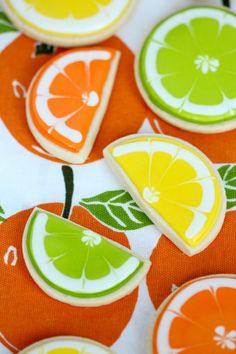 How to make (gorgeous!) lemon, lime, and orange decorated cookies. Perfect for summer.