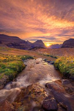Glacier National Park, Montana, by Exploring Light Photography. I did a report on this in elementary school :) Beautiful World, Beautiful Places, Photo Voyage, Nature Photography, Landscape Photography, Glacier National Park Montana, Glacier Park, Nature Scenes, Ciel