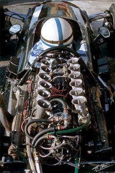 1966. XXXVII Gran Premio d'Italia. Monza. Spectacular wiew of John Surtees's Cooper T81 Maserati 9 F1 V12 3.0