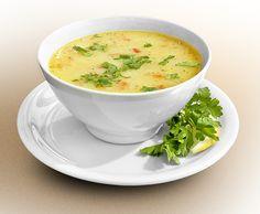 Пилешката супа е популярна традиционна българска супа, обичана от всички(които не са вегетарианци разбира се). Застроена е с кисело мляко и яйце пилешка супа, зеленчуци и фиде.
