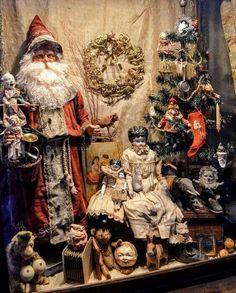 German Christmas, Old Fashioned Christmas, Christmas Past, Victorian Christmas, Primitive Christmas, Vintage Christmas Ornaments, Father Christmas, Rustic Christmas, Christmas Shopping