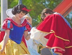 Snow White & her Prince - Dream Along With Mickey