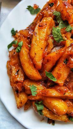PAPRIKA CUMIN KENYAN CHIPS MASALA / Nairobi Kitchen Fried Onions, Fried Potatoes, Spicy Recipes, Potato Recipes, Masala Chips, Paprika Spice, Best Chips, Masala Recipe, Peppers And Onions