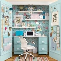 Cool Small Home Office Idea Image 01 - Compact Home Office in a Closet