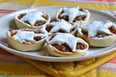 Le mince pie sono crostatine di origine anglosassone tipiche del periodo natalizio e ripiene di frutta secca. Leggi la ricetta per prepararle con il bimby.
