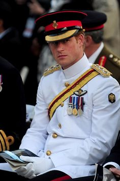 Prince Harry looks on during a French memorial service marking the 100th anniversary of the start of the Battle of Gallipoli on April 24, 2025, in Canakkale.   ♥