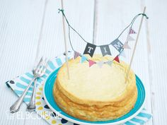 Irgendwie kommen Geburtstage immer so überraschend! Traditionell backe ich für meine Kollegen zum Geburtstag immer einen Kuchen. Diese Woche hatte Tim Geburtstag und am Abend davor fiel mir siedend heiß ein, dass ich noch einen Kuchen backen musste ...