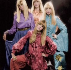 Cynthia Lennon (first wife of John Lennon), Maureen Starkey (first wife of Ringo Starr), Pattie Boyd (first wife of George Harrison and later on Eric Clapton) and Pattie's sister Jenny Boyd. Photo by Ronald Traeger in Pattie Boyd, 60s And 70s Fashion, Look Fashion, Vintage Fashion, Vintage Style, Vintage Outfits, George Harrison, Eric Clapton, Jane Asher