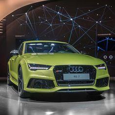How about this shade of #RS7 green?#AudiExclusive #Peridotgreen #Audi #RS7        Audi AG      #audidriven - a 'state of mind' oooo #AudiRS7 #RS7 #quattro #greenRS7 #quattroGmbH #AudiSport #greenAudi #Audicolor #green #biturbo #turbo #v8 #AudiRS #AudiSportcars #audiaustria #igersvienna #igersaustria #blackoptics #blacklist