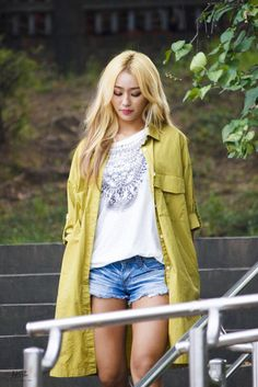Sistar's Hyorin fashion. These long cut duster tops are becoming popular in Korea this year. -Lily