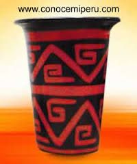 Imagen relacionada Hot Coffee, Coffee Cups, Starbucks, Chair, Bud Vases, Vases, Pottery Vase, Manualidades, Coffee Mugs
