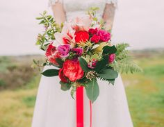 Colorful Retro Big Sur Elopement: Laurie + DJ | Green Wedding Shoes Wedding Blog | Wedding Trends for Stylish +  Creative Brides