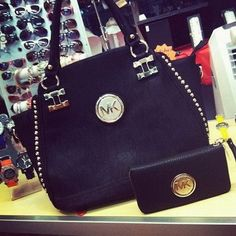 michael kors cheap bags http://queenstormsfashion.blogspot.com/