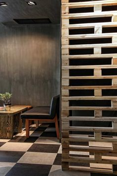 Cheap Wooden Pallet Room Divider Design And Decor Ideas