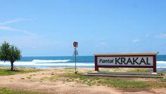 Tempat Wisata Alam Pantai Krakal, Debur Ombak Pantai Jogja Yang Asik Untuk Berselancar - http://www.dakatour.com/tempat-wisata-alam-pantai-krakal-debur-ombak-pantai-jogja-yang-asik-untuk-berselancar.html