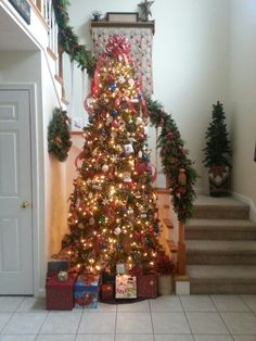 Country Christmas tree I am very well on my way to being the lady who has a tree in every room of the house! I LOVE my country Christmas tree!