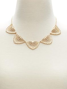 Embroidered Focal Necklace | Banana Republic