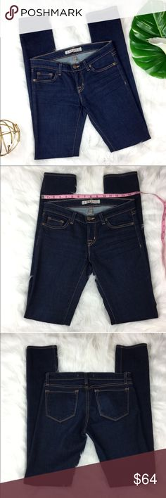 J Brand 912 Ink Pencil Leg Jeans J Brand 912 Ink Pencil Leg Jeans. Size 26 with32' inseam and 7 1/2' rise. Pre-owned but excellent condition with no major flaws. The inside J Brand tag has a small tear but still in tack. ❌I do not Trade 🙅🏻 Or model💲 Posh Transactions ONLY J Brand Jeans Skinny
