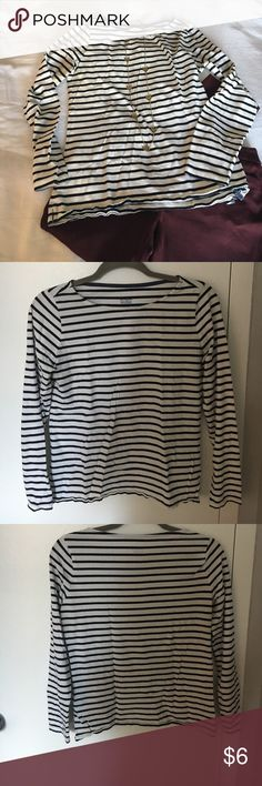 """Black and White Striped Breton Top by Boden The quintessential black and white striped tee. Boden US Size 6. Length from shoulder seam to hem: 23"""" Armpit to end of sleeve: 17"""" Width across chest: 18"""" Boden Tops Tees - Long Sleeve"""