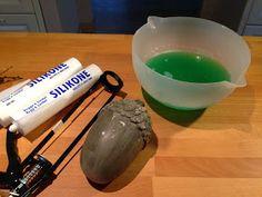 Så har jeg fået lavet en anvisning på hvordan jeg laver siliconeforme til at støbe beton i. Der er sikkert mange måder at gøre det på, men ...