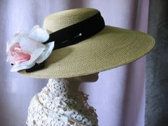 Roses Straw Hat Vintage 1940's Picture Hat with Pink Cabbage Roses an Elegant Afternoon Tea or Wedding Accessory