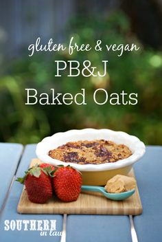 This Healthy Peanut Butter and Jelly (PB&J) Baked Oatmeal Recipe combines… Healthy Oatmeal Recipes, Healthy Breakfast Recipes, Clean Eating Recipes, Healthy Breakfasts, Healthy Food, Vegan Recipes, Vegan Gluten Free, Vegan Egg, Dairy Free Breakfasts