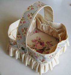 Threads and patches: Sophies very pretty sewing basket and other things