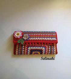 Tapestry Crochet Patterns, Hand Wrist, Felt Fabric, Beautiful Crochet, Knit Crochet, Crochet Bags, Mitten Gloves, Crochet Designs, Clutch Bag