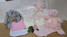 These gorgeous personalised baby girl gifts arrive fully gift boxed, made with your choice of ingredients. Beautifully gift boxed and delivered direct to your door. Baby Girl Gift Baskets, Baby Gift Hampers, Baby Gift Box, Baby Hamper, Twin Baby Gifts, Unisex Baby Gifts, Baby Soap, Baby Lotion, Baby Skin Care