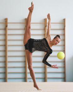 <<Anna Rizatdinova (Ukraine)>> Gymnastics Posters, Gymnastics Photos, Gymnastics Photography, Rhythmic Gymnastics, Dance Photography, Best Weight Loss, Weight Loss Tips, Best Alcohol, Muscle Body