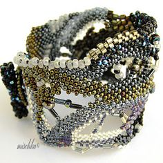 Cabo de Homos Freeform Bracelet by Mischka