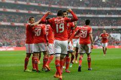#Benfica vence FC Porto (2-0) e isola-se na liderança