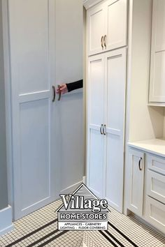 Who doesn't love a good hidden pantry?! Keep all your snacks neatly hidden away to avoid kitchen clutter! Kitchen Village, Hidden Pantry, Kitchen Storage Solutions, Kitchen Installation, At Home Store, Clutter, Home Kitchens, Armoire