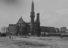 Plac Zbawiciela 1945 (post-war)