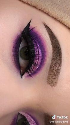 Purple Eye Makeup, Edgy Makeup, Eye Makeup Art, Colorful Eye Makeup, Eyebrow Makeup, Eyeshadow Makeup, Makeup Eyes, Hair Makeup, Smokey Eye Makeup Tutorial