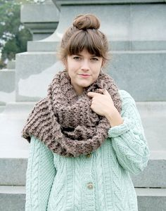 The hair, the big scarf, the baggy sweater, the colors, oh my!