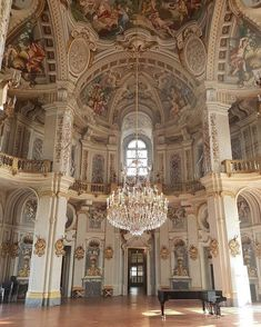 𝔬𝔫𝔦 ☤ - castle or whatever - Baroque Architecture, Classical Architecture, Beautiful Architecture, Architecture Details, Interior Architecture, Minimalist Architecture, Ancient Architecture, Princess Aesthetic, Barcelona Cathedral