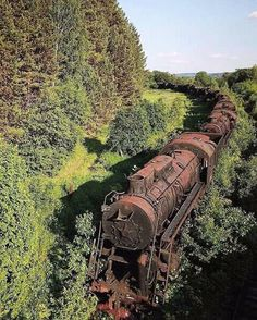 Tagged with trains, abandoned; Abandoned train somewhere in Siberia Abandoned Train, Abandoned Mansions, Abandoned Buildings, Abandoned Houses, Abandoned Places, Old Houses, Abandoned Library, Abandoned Detroit, Abandoned Factory