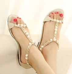 Gorgeous Rose Coppy Leather Flat Heel Sandals with Beading Decoration Fashion Heels, Sneakers Fashion, Gold Toe Rings, Pretty Sandals, Cute Flats, Fancy Shoes, Bride Shoes, Womens Flip Flops, Girls Sandals