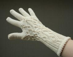 Knitting Patterns Gloves Ravelry: Glacier pattern by Julia Mueller Knitted Mittens Pattern, Fingerless Gloves Knitted, Knit Mittens, Cable Knitting, Knitting Socks, Free Knitting, Knitting Designs, Knitting Patterns, Knitting Accessories