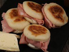 Tigelle Raclette Fondue, Menu, Bread Recipes, Good Food, Pizza, Pudding, Cooking, Ethnic Recipes, Desserts